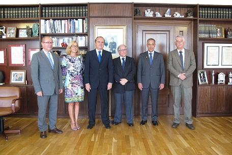 Ripoll junto a la delegación de la ciudad de Itajaí