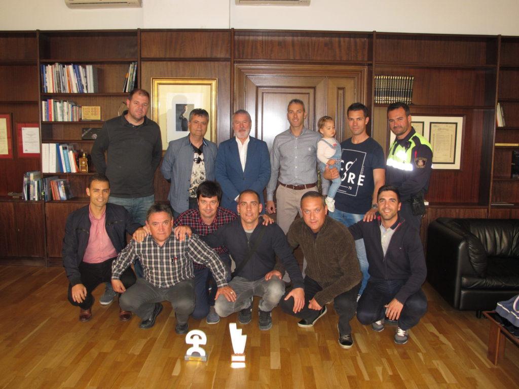 Gisbert junto al equipo del puerto de Alicante